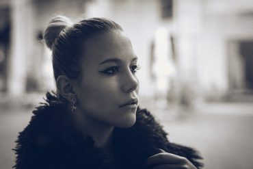 Jennifer Mazza by Luca Tenneriello